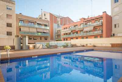 Appartement confortable avec piscine commune au centre de Barcelone.